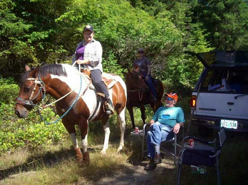 by: COURTESY PHOTO - Members of the Vernonia Ridge Riders, an equestrian social group, are looking forward to a fundraiser poker ride July 13.