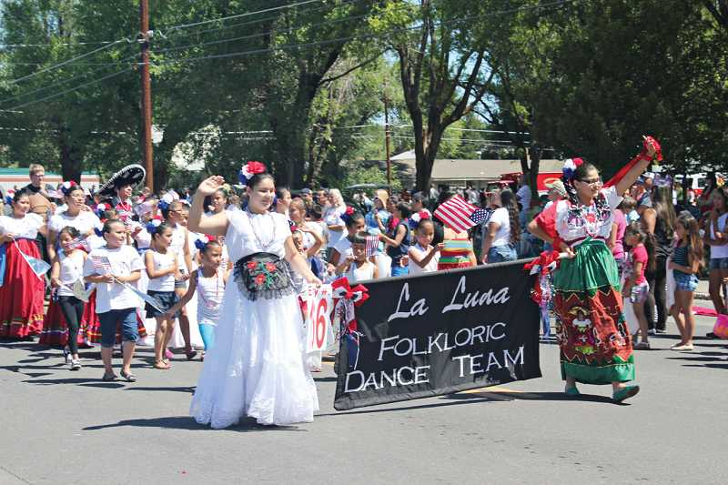 La Luna Folkloric Dance Team won the Best of Show award in the parade.