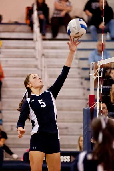 by: GREG ARTMAN - Lexy Thompson, who earned all-conference honorable mention as an outside hitter last season, figures to be a key contributor on the Wilsonville volleyball team this year. The junior is one of three returning all-league players for the Wildcats, who will be coached by former Oregon City High School and Oregon Ducks two-sport star Kristen Rott.