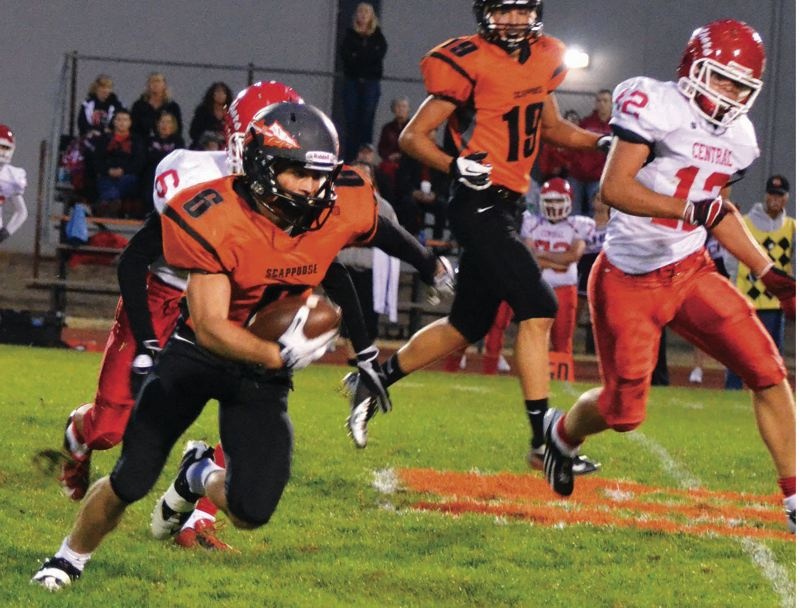 by: FILE PHOTO - Paul Revis (6) runs the ball against Central at home a year ago. The Indians won that game, but haven't beaten the Panthers on the road since 2006.