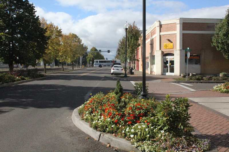 by: JEFF MCDONALD  - e city of Woodburn has discussed removing bulb-outs replacing  two one-way couplet streets downtown.