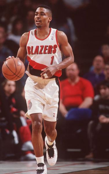by: COURTESY OF PORTLAND TRAIL BLAZERS - Rod Strickland and the 1995-96 Trail Blazers got the Rose Garden off to a poor start on Nov. 3, 1995