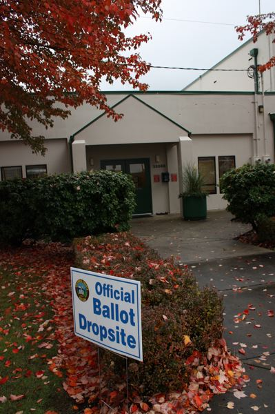 by: SPOTLIGHT PHOTO: ROBIN JOHNSON - A sign in front of Scappoose City Hall directing voters where to drop off their ballots Tuesday, Nov. 5, the day of the election. Voter turnout was 42.7 percent, according to unofficial results on the Columbia County website.