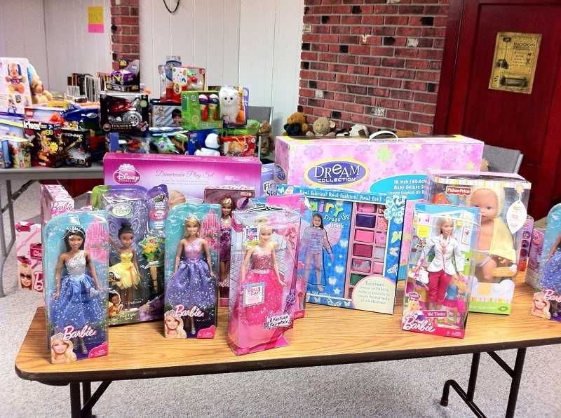 by: TIDINGS FILE PHOTO - West Linn families will get to purchase holiday gifts for just 25 cents each at the Unity Center.
