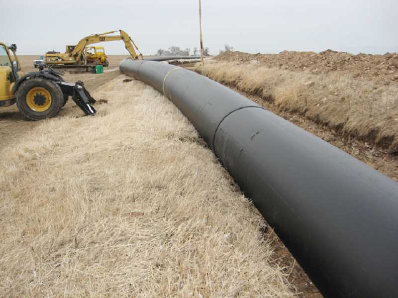 North Unit crews are installing the new pipeline.