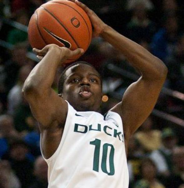 by: TRIBUNE FILE PHOTO: PATRICK COTE - JOHNATHAN LOYD