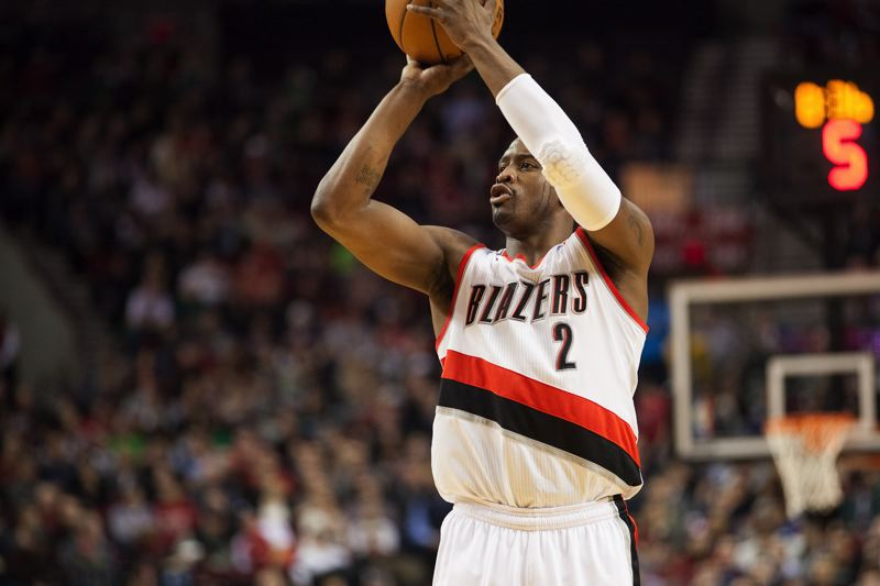 Blazers guard Wesley Matthews lines up a jumper.