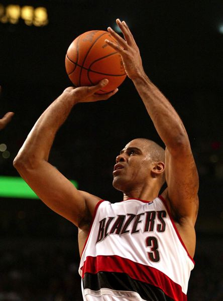 by: TRIBUNE FILE PHOTO: L.E. BASKOW - Ime Udoka puts up a jumper during his NBA playing career, which included time with the Trail Blazers.