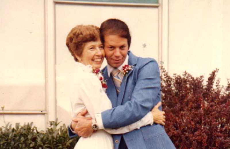 by: COURTESY OF ELLIOT AND NANCY KLEARMAN - ALL IN THE FAMILY - After Nancy and Elliot Klearman corresponded and talked on the phone for a few months while he was incarcerated in Washington, they married Dec. 6, 1980, three months after meeting in person, and recently celebrated their 33rd anniversay.