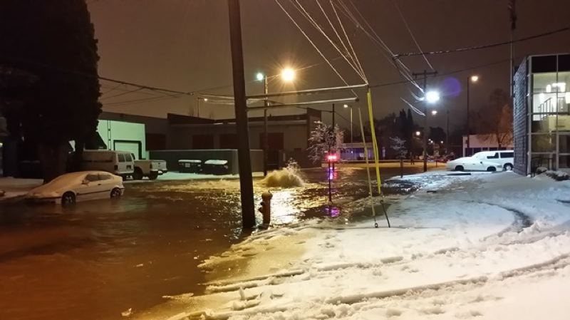 by: KOIN NEWS 6 - A broken water main at Southeast 20th and Powell added to the city's storm problems.