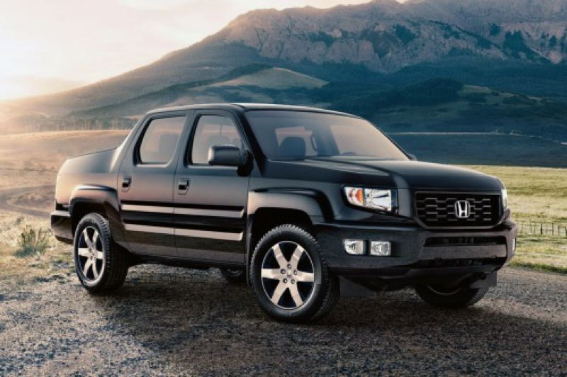 by: HONDA AMERICA MOTOR CORP. - This the last year for the current Honda Ridgeline, so check it out while you can.