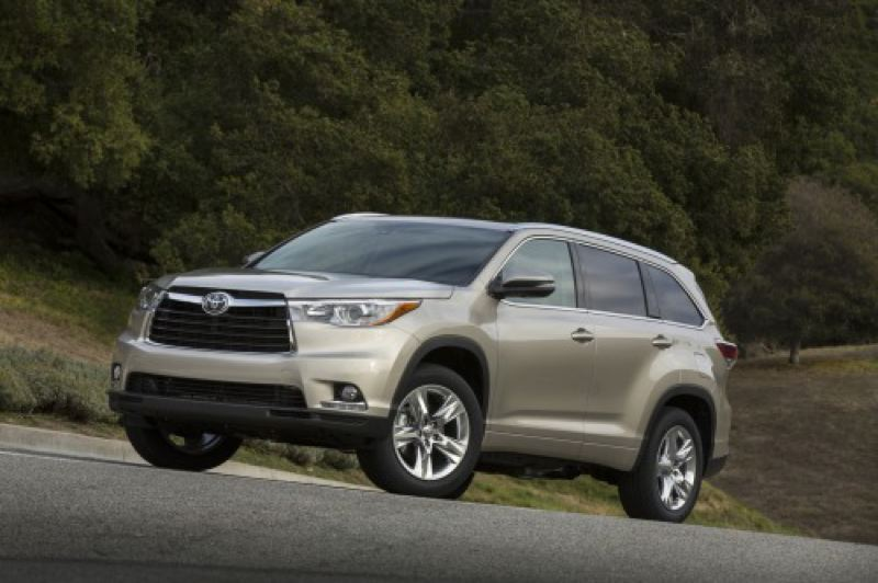 by: TOYOTA MOTOR SALES, USA< INC. - The totally redesigned 2014 Toyota Highlander builds on its earlier strengths.
