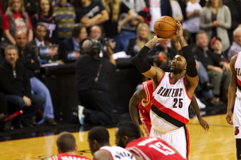 Trail Blazers guard Mo Williams sinks one of the two free throws with 7.9 seconds remaining in overtime that gave Portland a 123-120 lead.