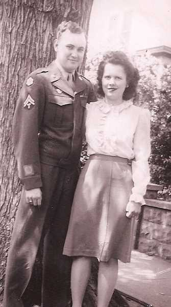 by: SUBMITTED PHOTO - Earl and Jeannette Anderson were married 70 years ago.