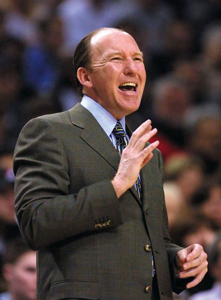 by: TRIBUNE FILE PHOTO: L.E. BASKOW - Mike Dunleavy, former Trail Blazers coach, has scored another victory, this one off the court with the sale of his Los Angeles condo.