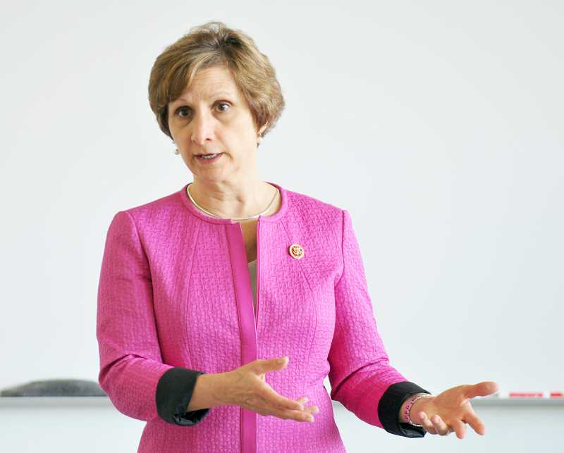 by: SETH GORDON - Talking issues - More than two dozen citizens attended a town hall meeting held by Rep. Suzanne Bonamici Sunday in Newberg.