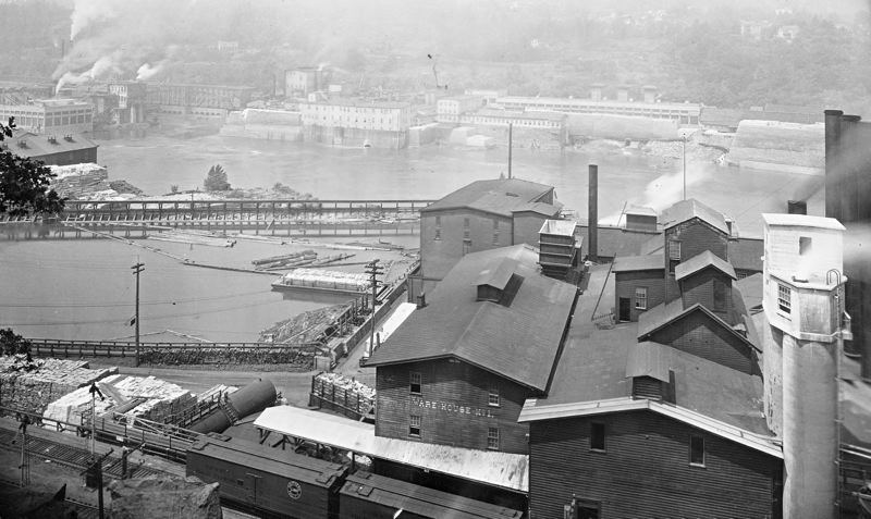 Photo Credit: PHOTO COURTESY: OREGON HISTORICAL SOCIETY - Early 1920s prior to Mill B fire. New Jenssen-type acid tower is at right.