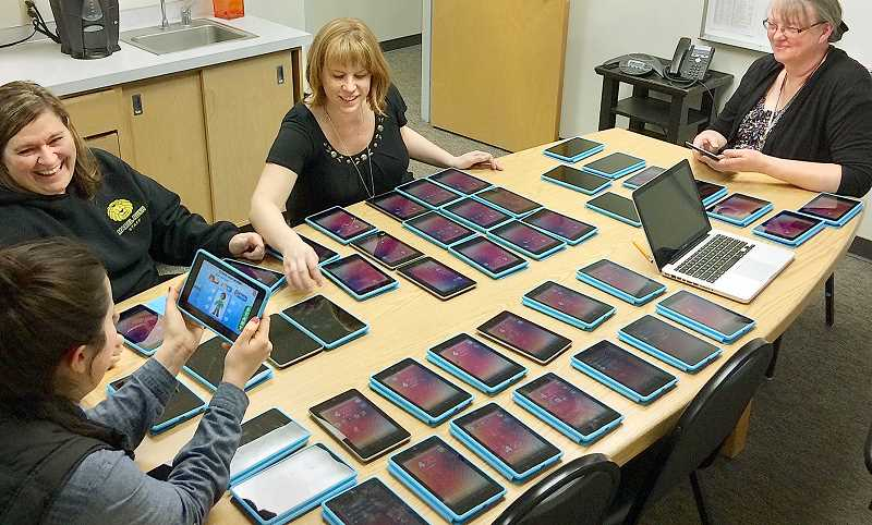 Technology In Elementary Classrooms : Pamplin media group boosting technology in the classroom