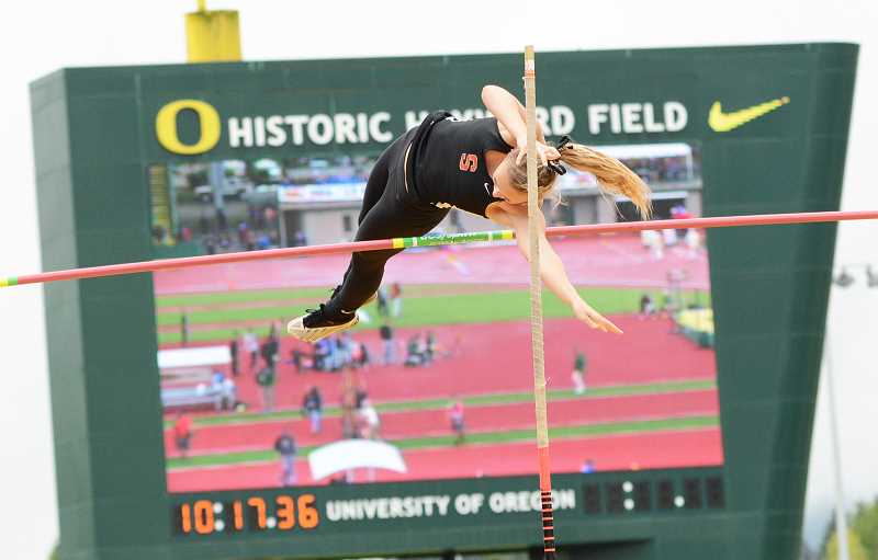 John William Howard Scappoose Senior Olivia Mcdaniel Attempts To Clear The Bar At 10 Feet