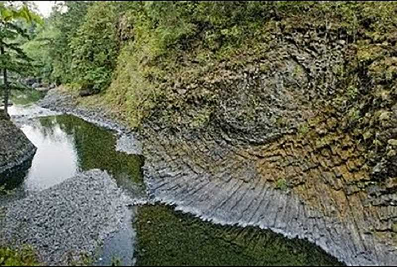 MOLALLA RIVER ALLIANCE - The basalt rosette formation in the upper Molalla River Recreation Corridor.