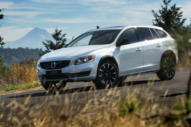 PAMPLIN MEDIA GROUP: JOHN M. VINCENT - With a ride height lifted 2.6 inches and scuff-plating added to the lower edge of the front bumper, the 2016 Volvo V60 Cross Country is ready for the forest service roads of the Cascades. 18-inch wheels are standard, with 19s optional.