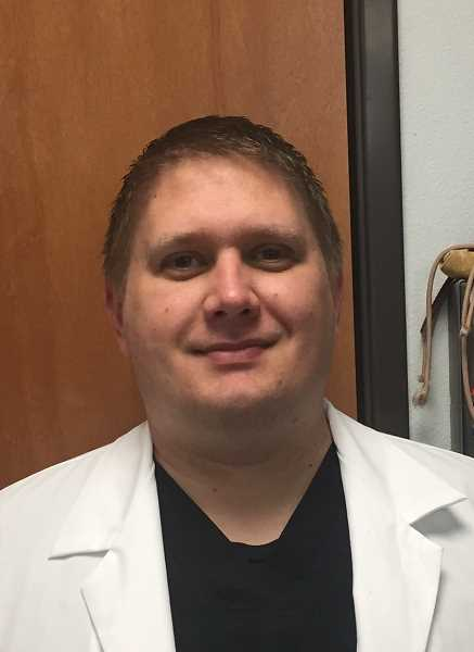 EMERGENCY VETERINARY CARE OF TUALATIN - Jonathan Wisniewski, DVM