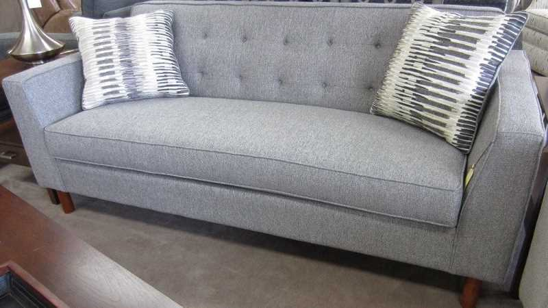 KUHNHAUSEN'S FURNITURE SHOWCASE - Wow! What a couch!