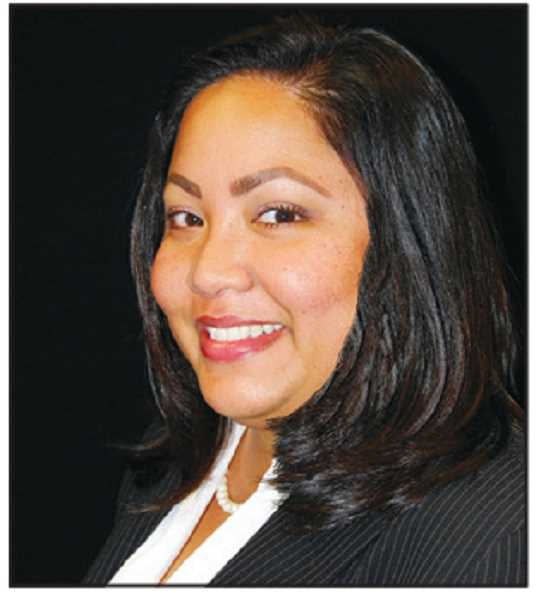 Roscinda Cruz, Cash Management Specialist, Premier Community Bank