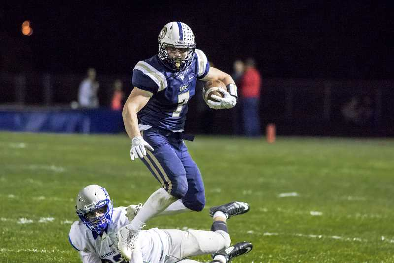 Banks' Applebee runs over Valley Catholic, 53-35