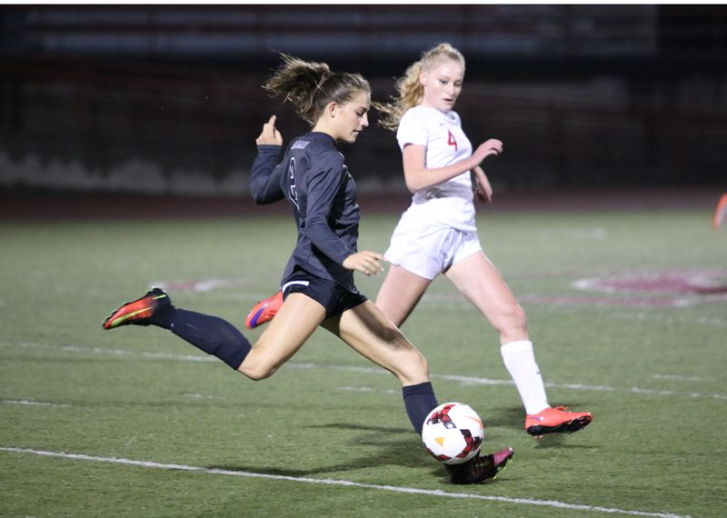 Oregon City rallies for 1-1 tie vs. Cavs, remains undefeated