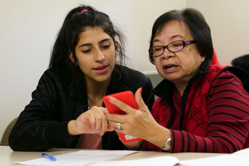Seniors master technology with the help of teens