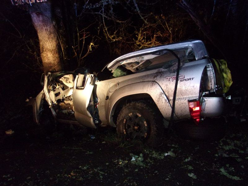 Pamplin Media Group - Beavercreek man dies in Eagle Creek crash on