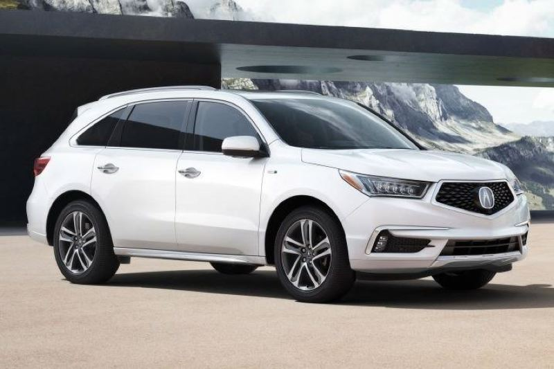 AMERCIAN HONDA MOTOR COMPNAY - The 2017 Acura MDX has been restyled with the company's new grill design, more substantial fenders, new headlights and more. The result makes an impression.