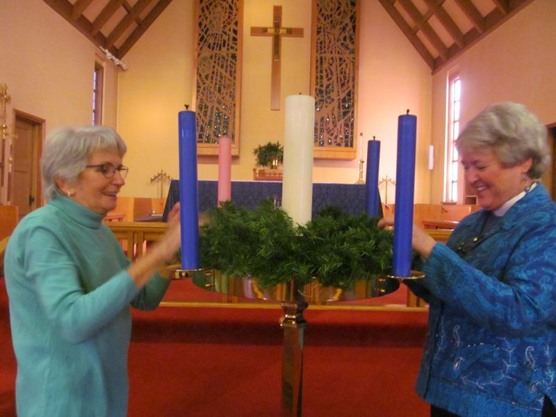 Blue Christmas service helps reconcile personal loss during holiday season