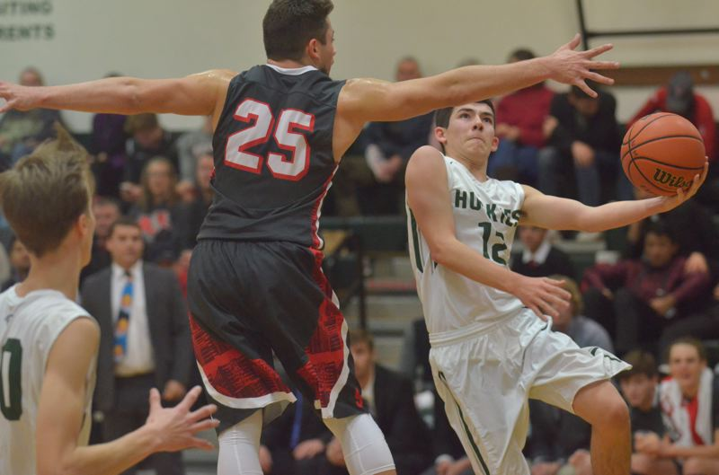 Boys basketball: Undefeated South Albany sneaks by North Marion