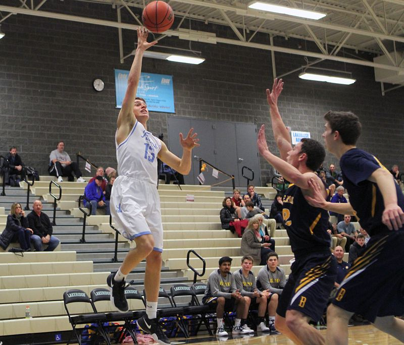Lakeridge boys get back onto the court, aim for more wins