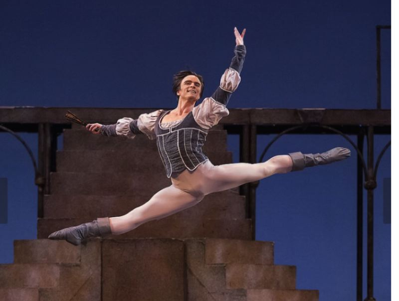 Peter Franc of Oregon Ballet Theatre soars into Milwaukie Ledding Library Pond House