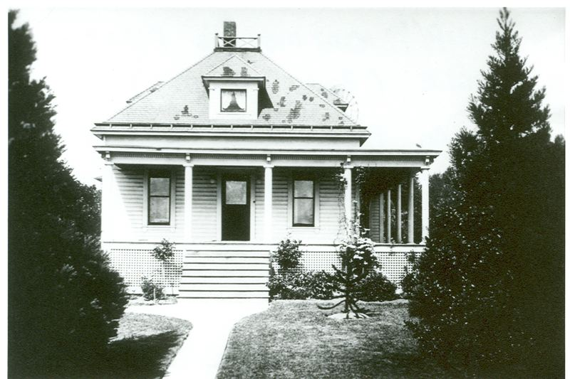 PHOTO COURTESY: OAK LODGE HISTORY DETECTIVES - In 1903, Philip Oatfield built the now-historic house when he was about to propose to his neighboring sweetheart, Dora Thiessen.