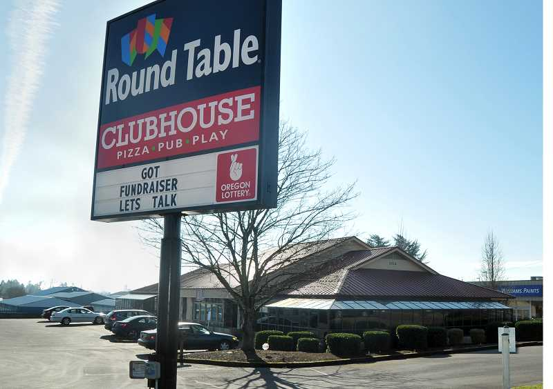 Round Table Pizza Portland Oregon.Pamplin Media Group Round Table Opens In Newberg