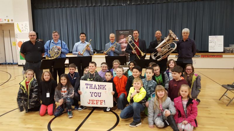 John Wetten students thank Jeff Heatherington, an Oregon Symphony Board member, for bringing musicians to the Gladstone elementary school.