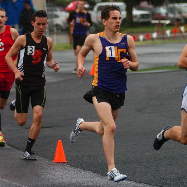 DAN BROOD - Horizon Christian High School senior Alex Tucker, shown here at last year's West Valley League district championships, could be one of the top Class 3A distance runners in the state this year.