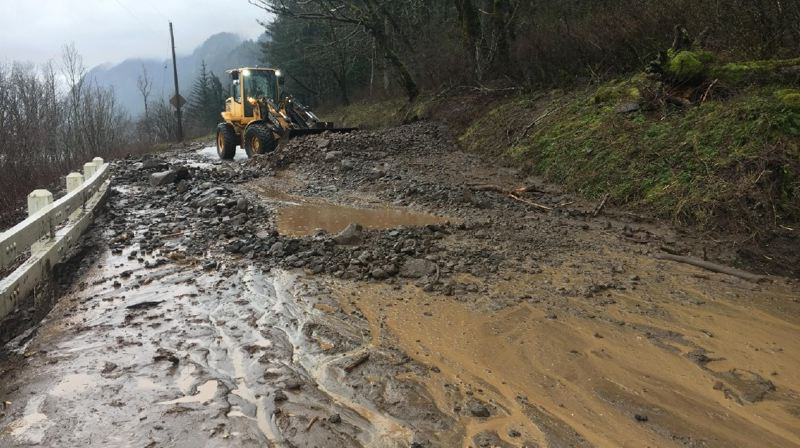 Landslides close Columbia River Highway through Monday