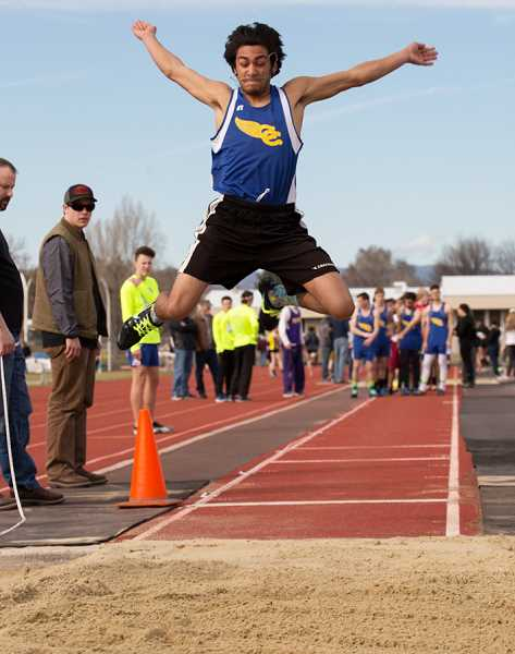 Crook county runs fast times in early season meet