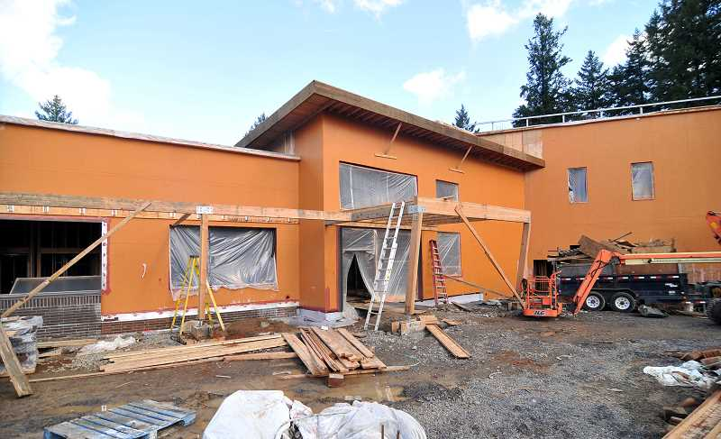 West Linn council votes to move Sunset school forward