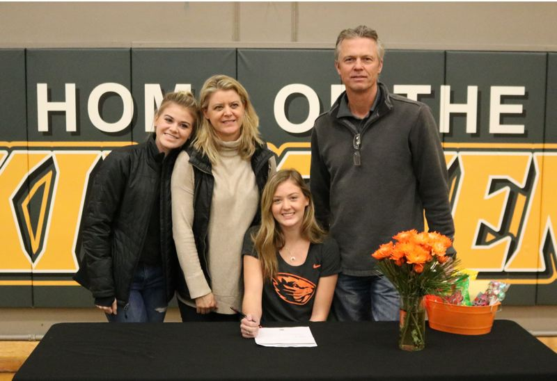 Putnam's Audrey Bright signs OSU letter of intent