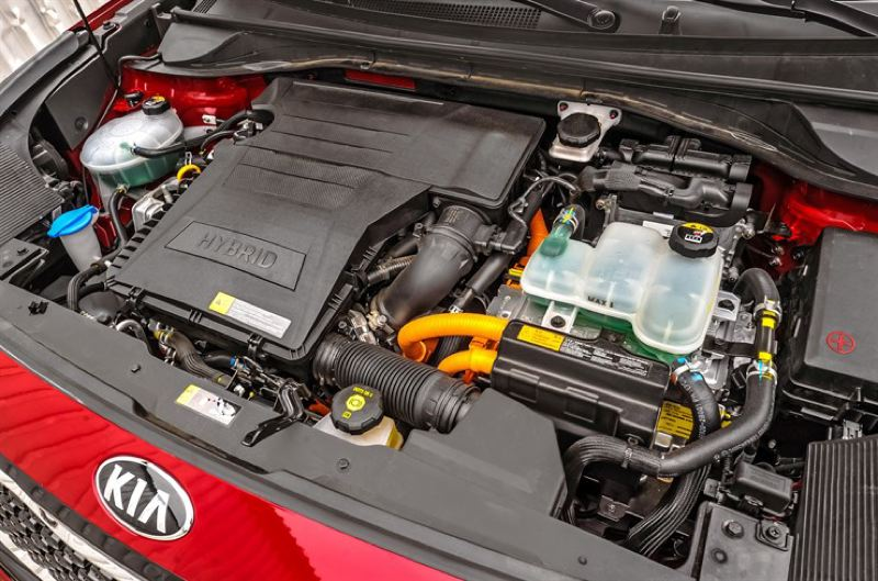 KIA MOTORS AMERICA - The 1.6-liter inline four cylinder engine and electric motor in the 2017 Kia Niro combine to produce good power and mileage.