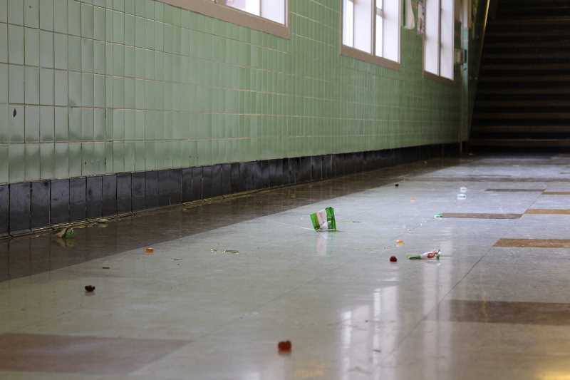 Remnants of voraciously consumed candy sprinkle the halls of Robert Gray after another exciting Mardi Gras parade rolled through.