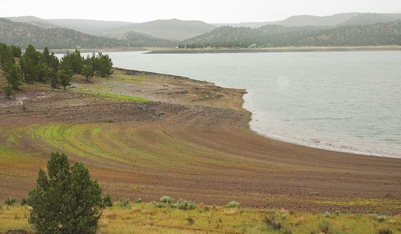 CENTRAL OREGONIAN FILE PHOTO - Water levels at Prineville Reservoir plummeted during the summer of 2015, prompting early closure to motorized boating.