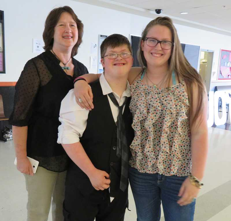 JEAN BAIRD - Robin Sewell with her children Josh and Darian Zeppetella