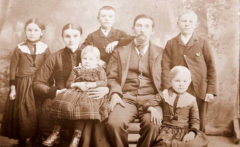 PHOTO COURTESY WILSONVILLE-BOONES FERRY HISTORICAL SOCIETY. - The John Aden family around 1890. The Aden family ran the general store in Wilsonville.